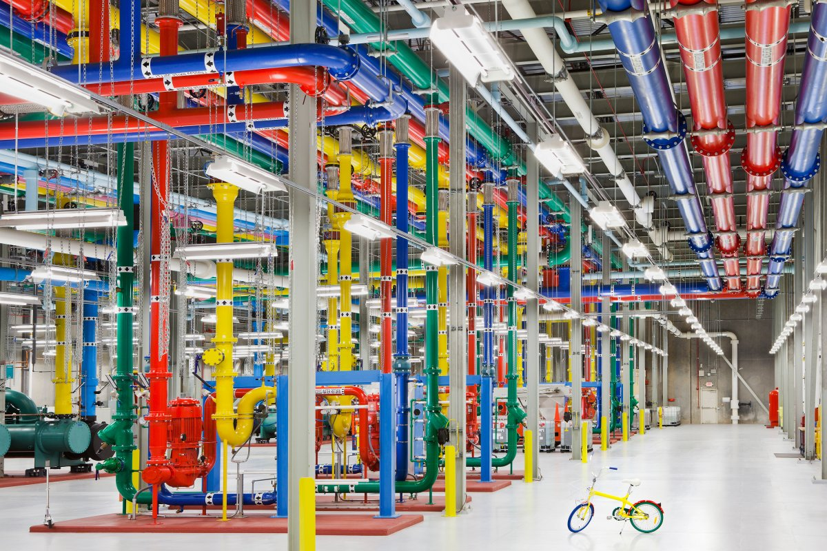 google custom designs servers energy efficient