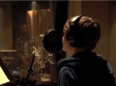 in-april-2009-usher-introduced-the-world-to-justin-bieber-via-a-video-on-youtube